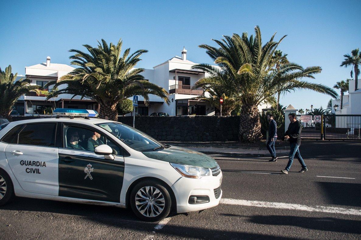 La Guardia Civil, ante el domicilio de Romina Celeste.