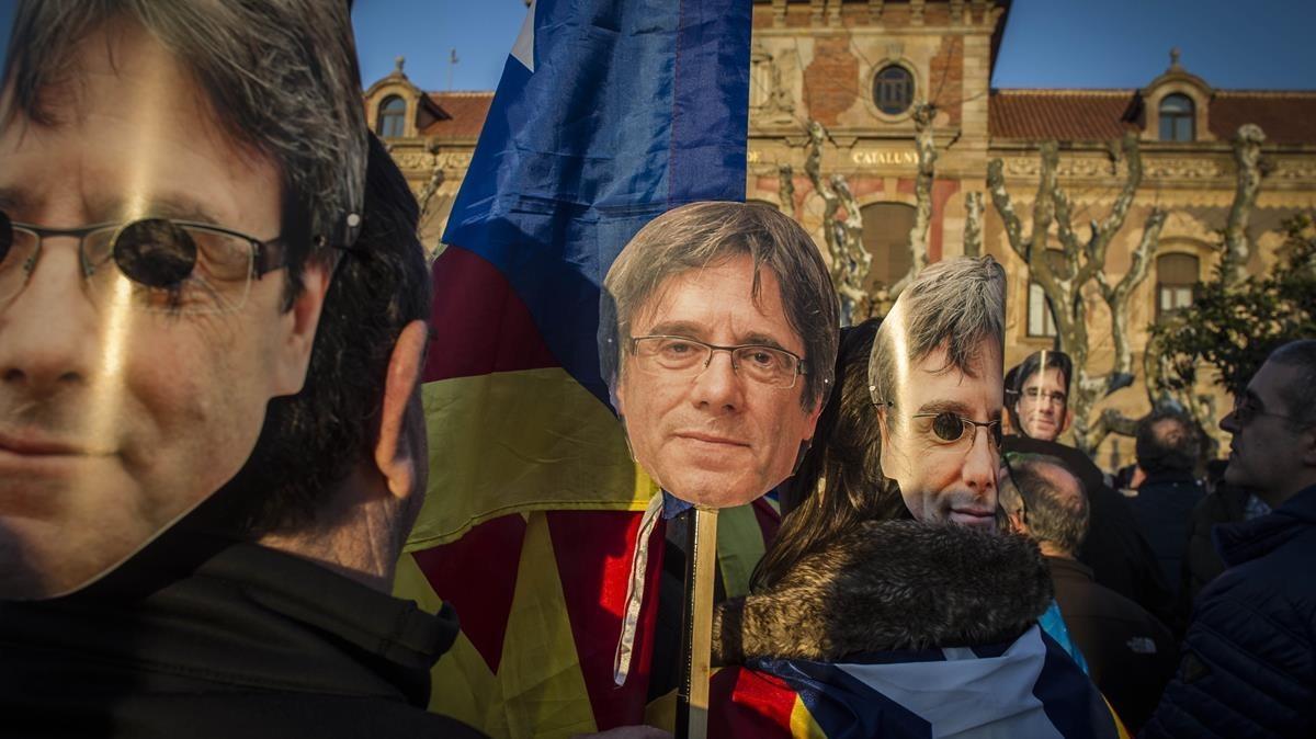 Una imagen de una concentración de apoyo a Carles Puigdemont, el pasado 30 de enero, en Barcelona.