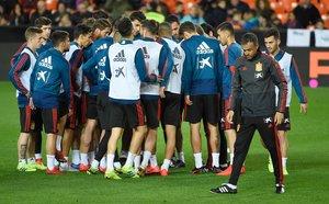 Los jugadores de la selección en el último entrenamiento antes de enfrentarse a Noruega.