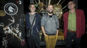 Albert Pla, Peyu y Quimi Portet, en la presentación de Natura Sàvia, en el Museu de Ciències Naturals de Barcelona.