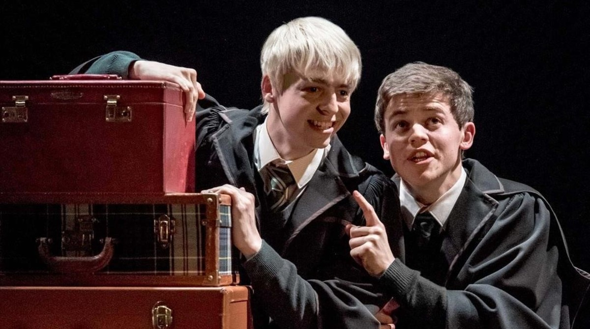 Anthony Boyle (Scorpius Malfoy) y Sam Clemmett (Albus Potter), en los ensayos de Harry Potter and the cursed child