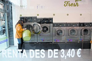 AUTOSERVICIO Nueva lavandería en Sants, entre Vallespir y Melcior de Palau.