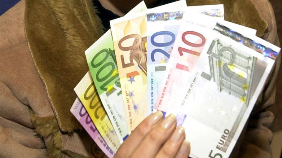Varios billetes en circulación en la zona euro.