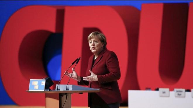 Merkel se reconcilia con los sectores más conservadores de su partido