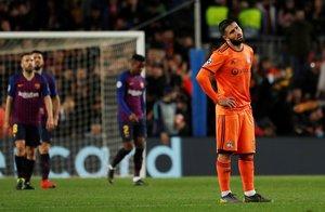 Soccer Football - Champions League - Round of 16 Second Leg - FC Barcelona v Olympique Lyonnais - Camp Nou, Barcelona, Spain - March 13, 2019 Lyons Nabil Fekir reacts REUTERS/Susana Vera