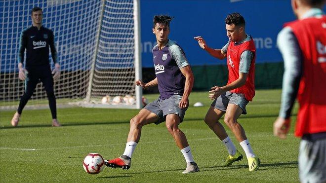 Chumi junto a Munir en el entrenamiento del Barcelona en la ciudad deportiva de Sant Joan Despí.