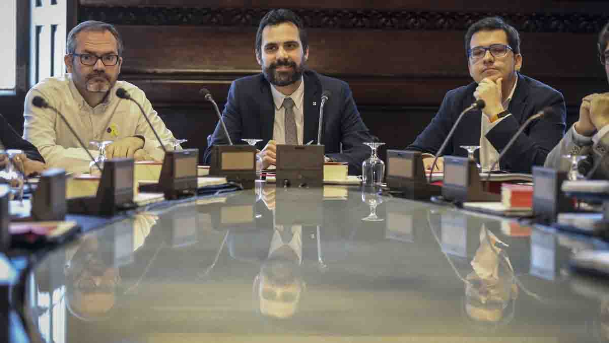 La Mesa ha admitido la solicitud presentada por Comín para delegar su voto en el portavoz del grupo parlamentario de ERC.