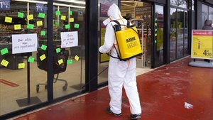 Desinfección de supermercados y la estación de autobuses por el COVID-19 en Igualada