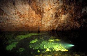 Los cenotes no solo son cuerpos de agua, son sitios culturales y de alta importantes para los antiguos y actuales mayas.