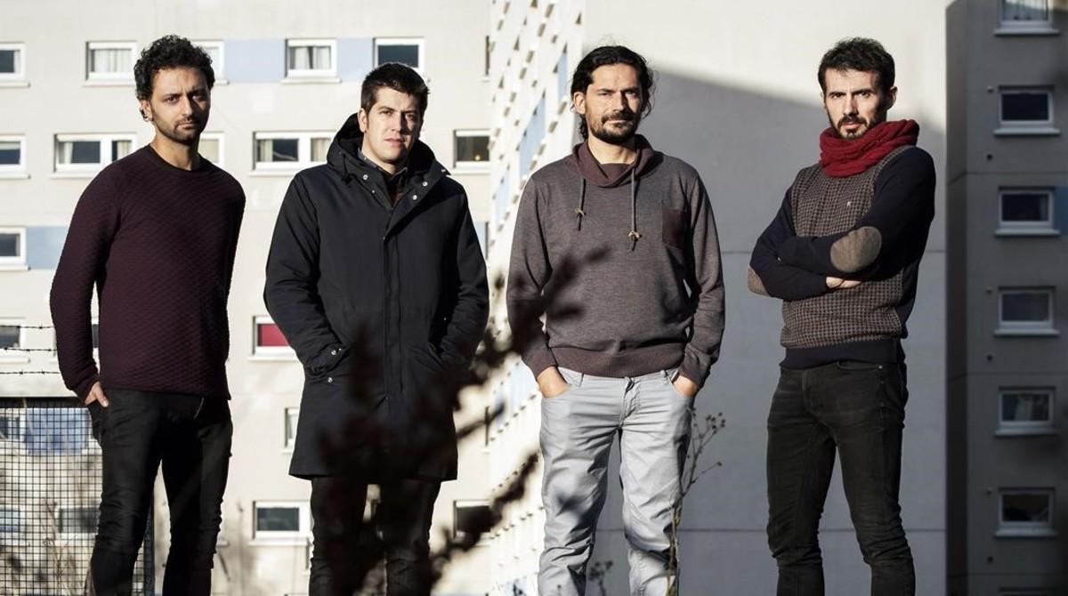 Els Amics de les Arts en una imagen promocional de su último trabajo, Un estrany poder.