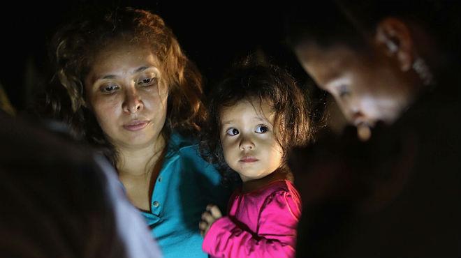 Esta es la carta de una madre a su hijo, separados en la frontera de EEUU