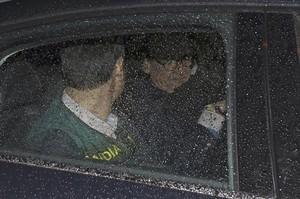 El expresidente de Banesto, Mario Conde, trasladado en un coche de la Guardia Civil.