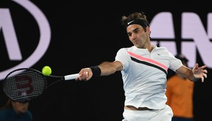 Federer, con un golpe ganador.