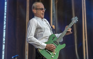 Francis Rossi, con Status Quo, en el Rock Fest de 2015