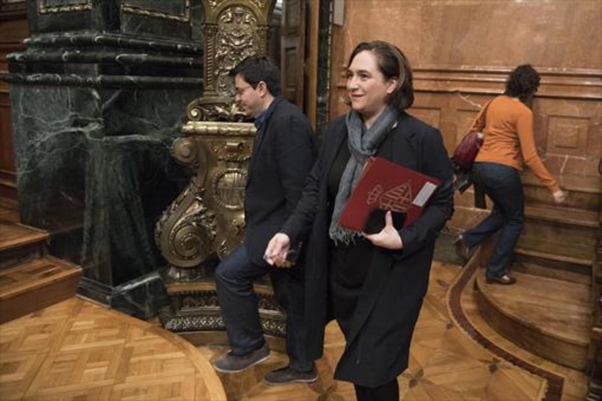 Pisarelo y Colau, en el ayuntamiento, en noviembre.
