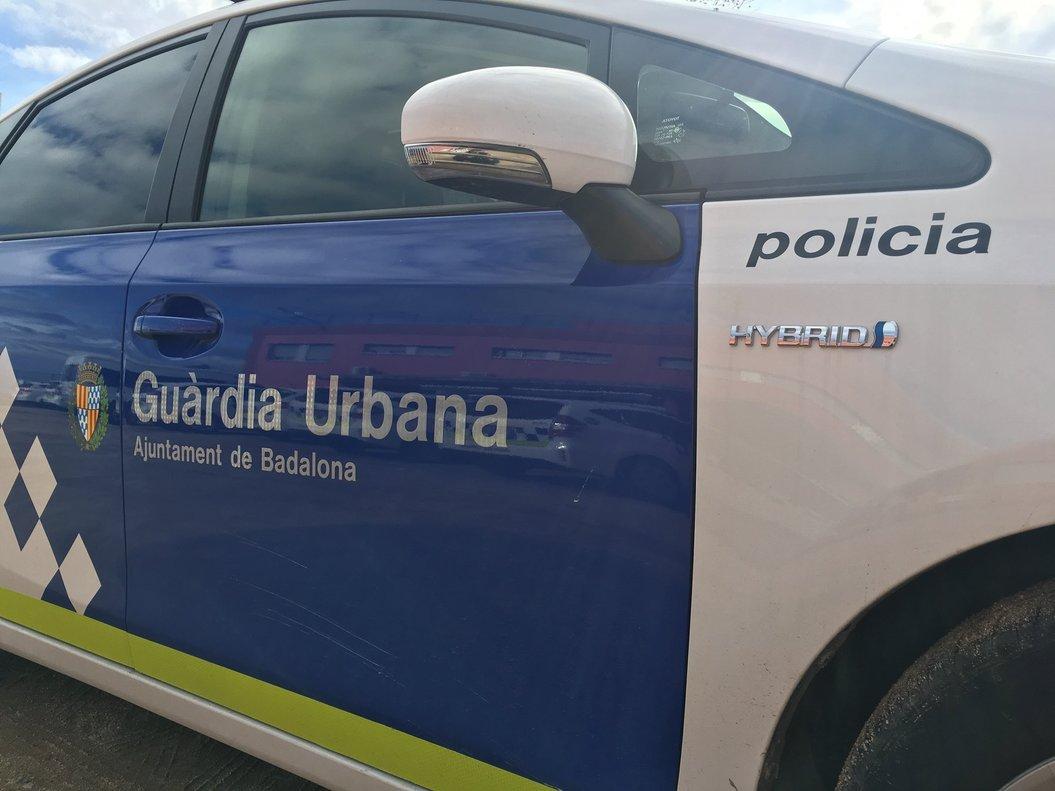 Un coche de la Guardia Urbana de Badalona.