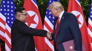 Kim Jong-un y Donald Trump tras firmar el acuerdo de Singapur el pasado 12 de junio.