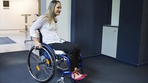 Kristina Vogel llega a la rueda de prensa realizada en Berlín.