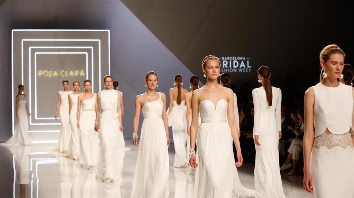 Algunas de las propuestas de la colección que ha presentado Rosa Clará en el marco de la Barcelona Bridal Fashion Week.