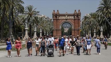 Las estancias hoteleras en Catalunya disminuyeron un 2,6% en octubre