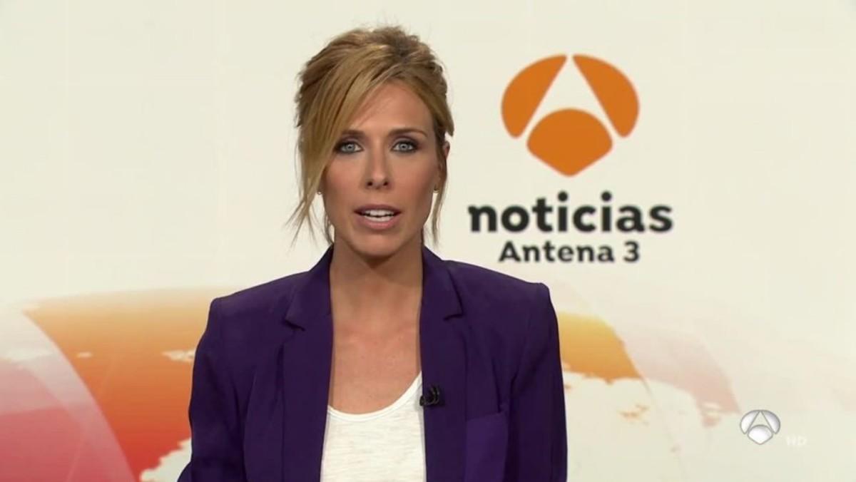 María José Saez en el plató de Antena 3 Noticias.