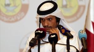 El ministro de Exteriores qatarí, Mohamed bin Abderrahman Al Thani, en una rueda de prensa, este martes.