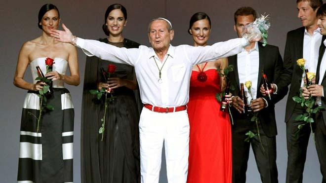 Muere el diseñador Elio Berhanyer.
