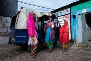 Yadira, Salma y Saada, del grupo de chicas que están luchando contra la mutilación genital femenia en Harar, Etiopía.