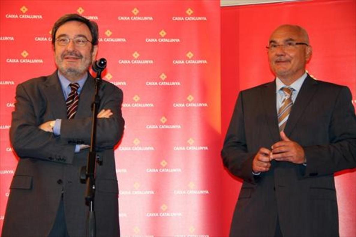 Narcís Serra (izquierda) y Adolf Todó, en una aparición ante la prensa en el 2010.