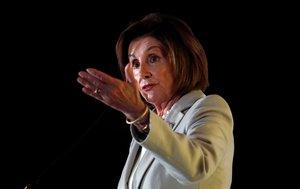 La jefa de la Cámara Baja, Nancy Pelosi, se despachó con el presidente Donald Trump, al que acusó de beneficiar a Rusia.