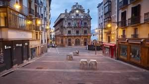 La plaza Consistorial de Pamplona, completamente vacía, el pasado 16 de abril, durante el primer estado de alarma.
