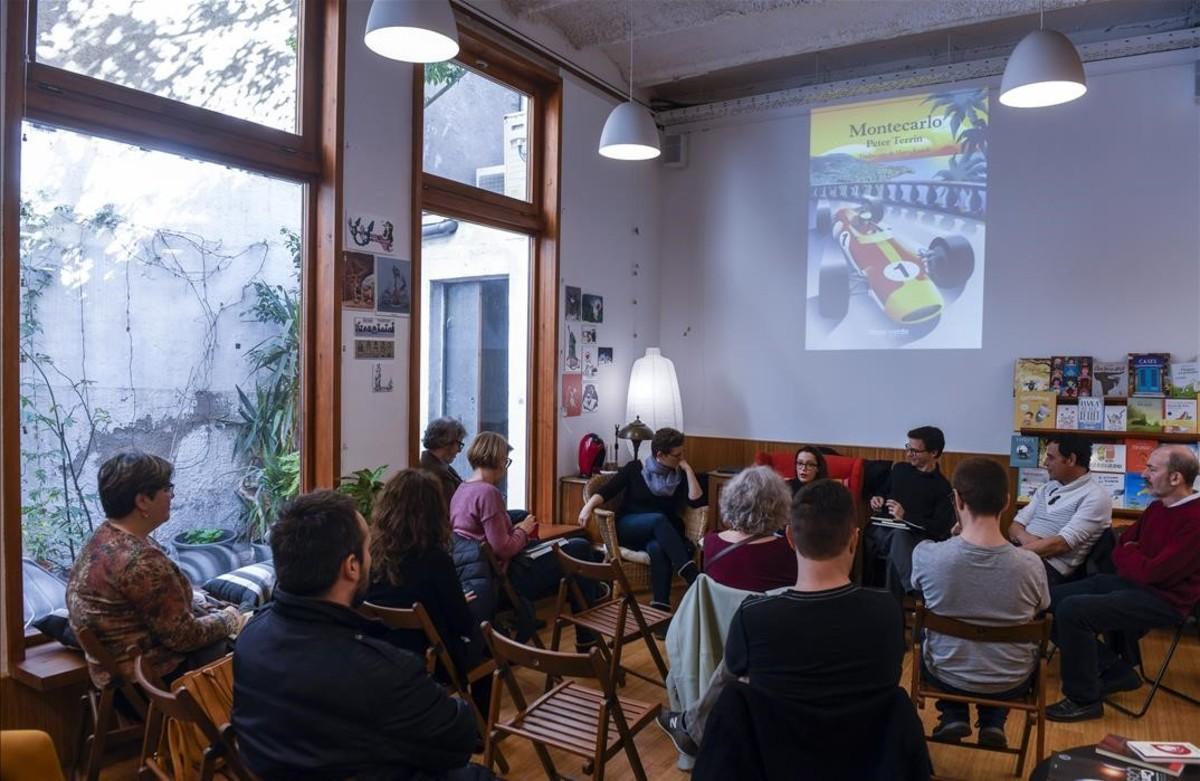 De izquierda a derecha, Laura Huerga, Anna Maria Iglesia, Valentí Fradera, Àlex Vergés y Jordi Camp, durante la presentación de 'Montecarlo'.