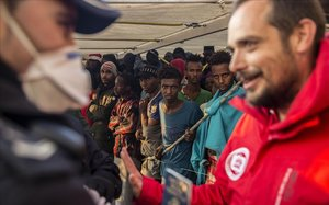 El barco de la oenegéProactiva Open Arms que ha recogido 304 inmigrantes.