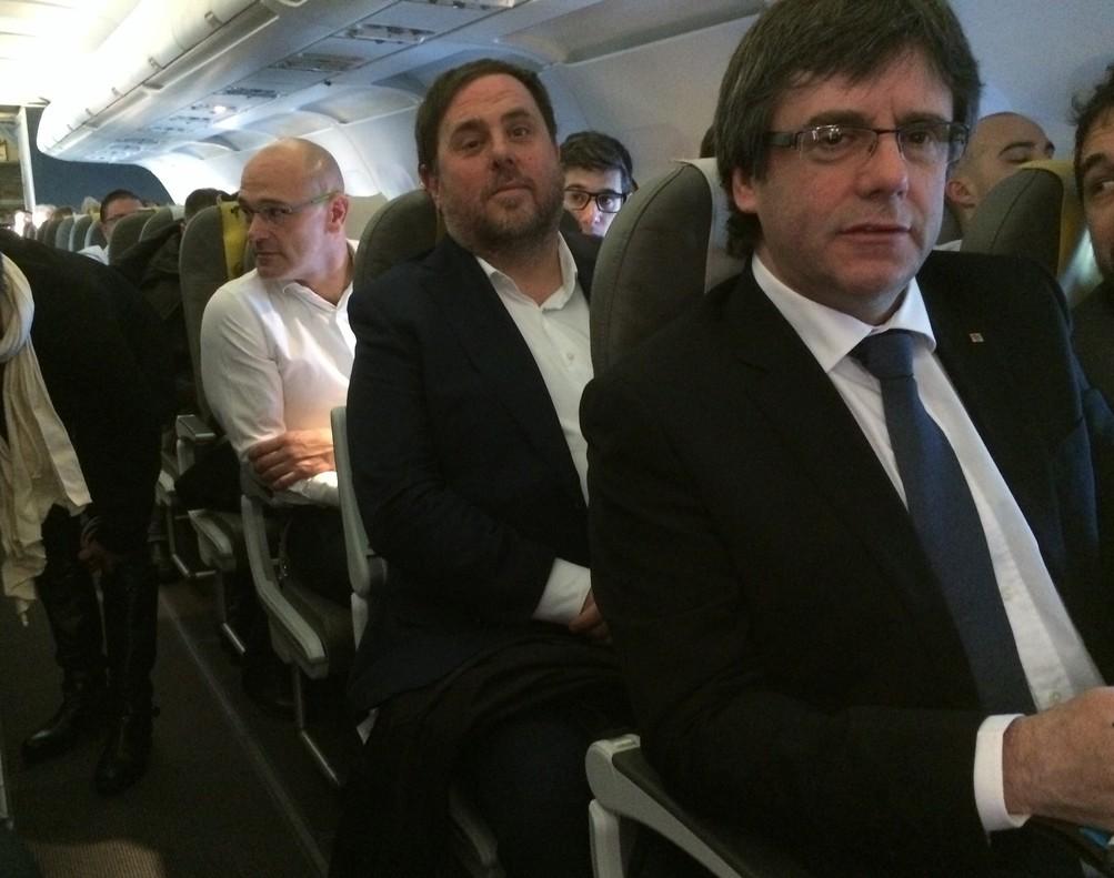 Carles Puigdemont, Oriol Junqueras y Raül Romeva, durante su viaje a Bruselas, el pasado enero.