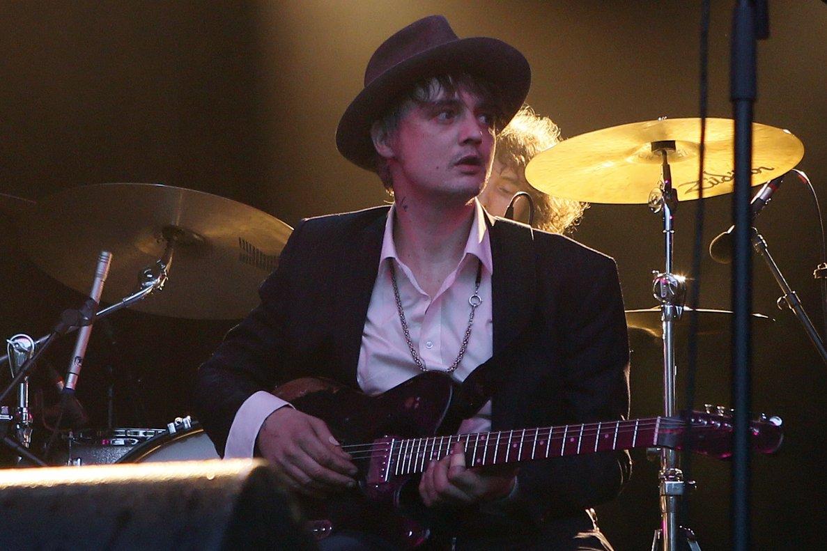 Espectáculos: El cantante inglés Pete Doherty fue arrestado en París, comprando cocaína