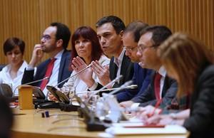 El secretario general del PSOE, Pedro Sánchez, en la reunión del grupo parlamentario del PSOE, este martes en el Congreso.