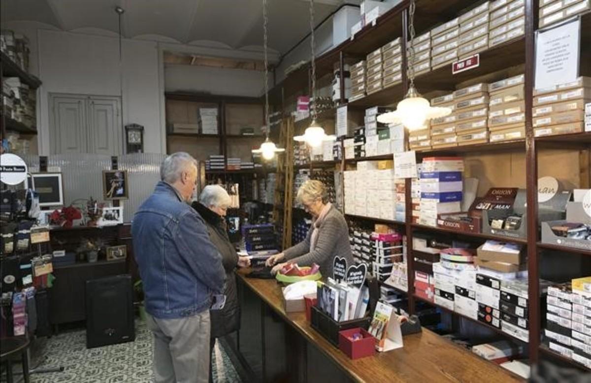 Casa Gallofré, centenaria tienda de géneros de punto de la calle Manso.