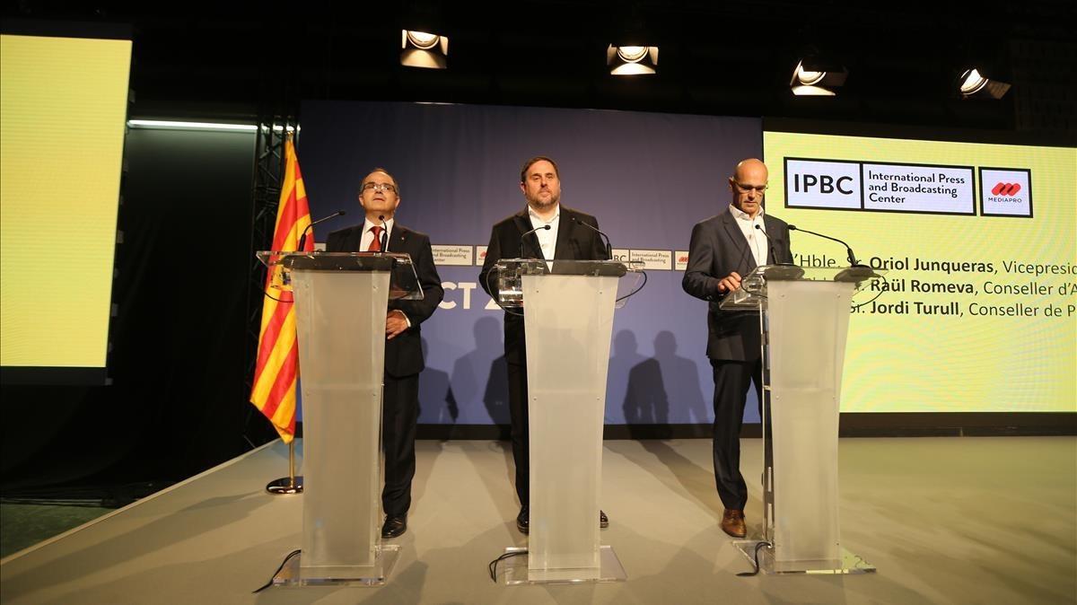 Turull,Junqueras y Romeva explican el operativo del 1-O.