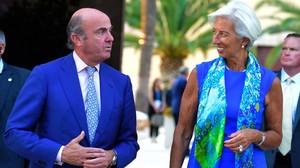 El ministro de Economía,Luis de Guindos, y la presidenta del FMI,Christine Lagarde, este mes de junio en Valencia.