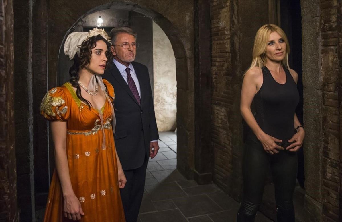 Macarena García, Jaime Blanch y Cayetana Guillín, protagonistas de Salva el tiempo.
