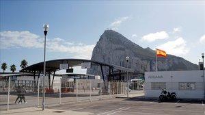 El Peñón de Gibraltar, visto desde la frontera española, el pasado 15 de noviembre.