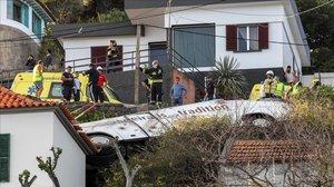 Almenys 28 turistes morts en un accident d'autocar a Madeira |