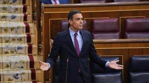 Sánchez i Casado tornen a elevar la crispació política