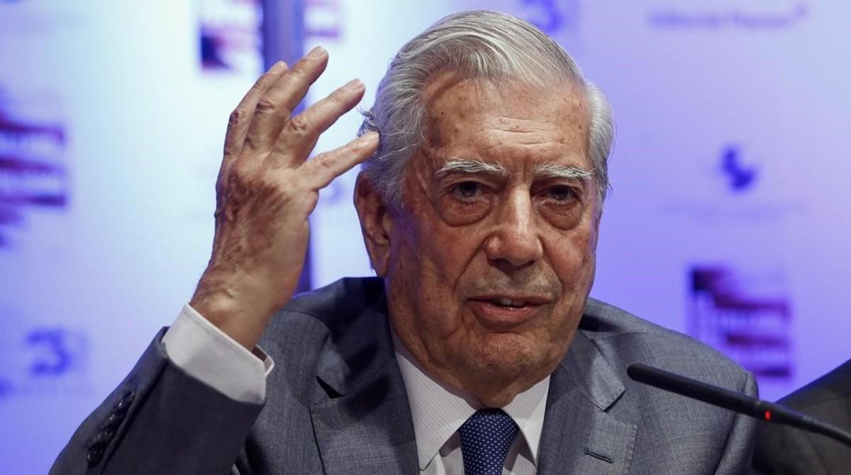 Vargas Llosa pegó un portazo en el PEN