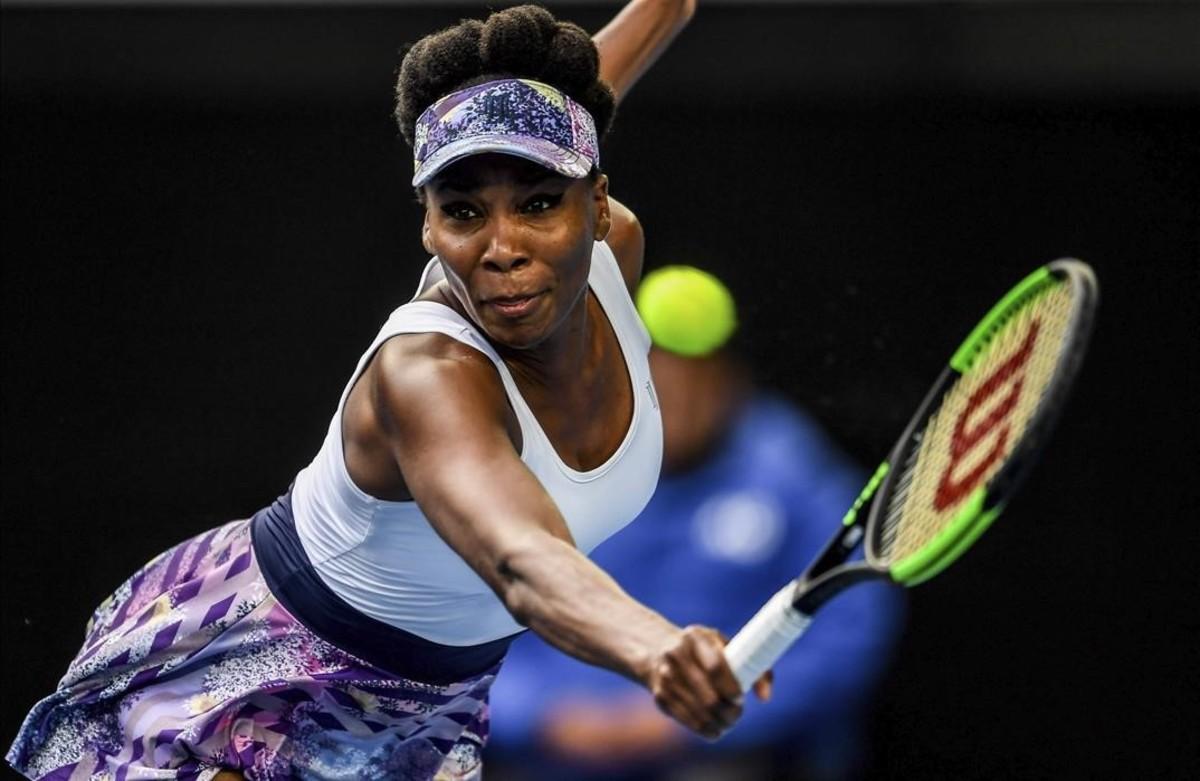 Venus Williams jugando en el torneo australiano, en Melbourne, el pasado mes de enero.
