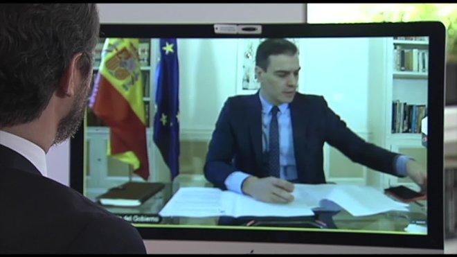 La reunión por videoconferencia entre el jefe del Ejecutivo, Pedro Sánchez, y el líder del PP, Pablo Casado, ha comenzado pasadas las 11.00 horas.