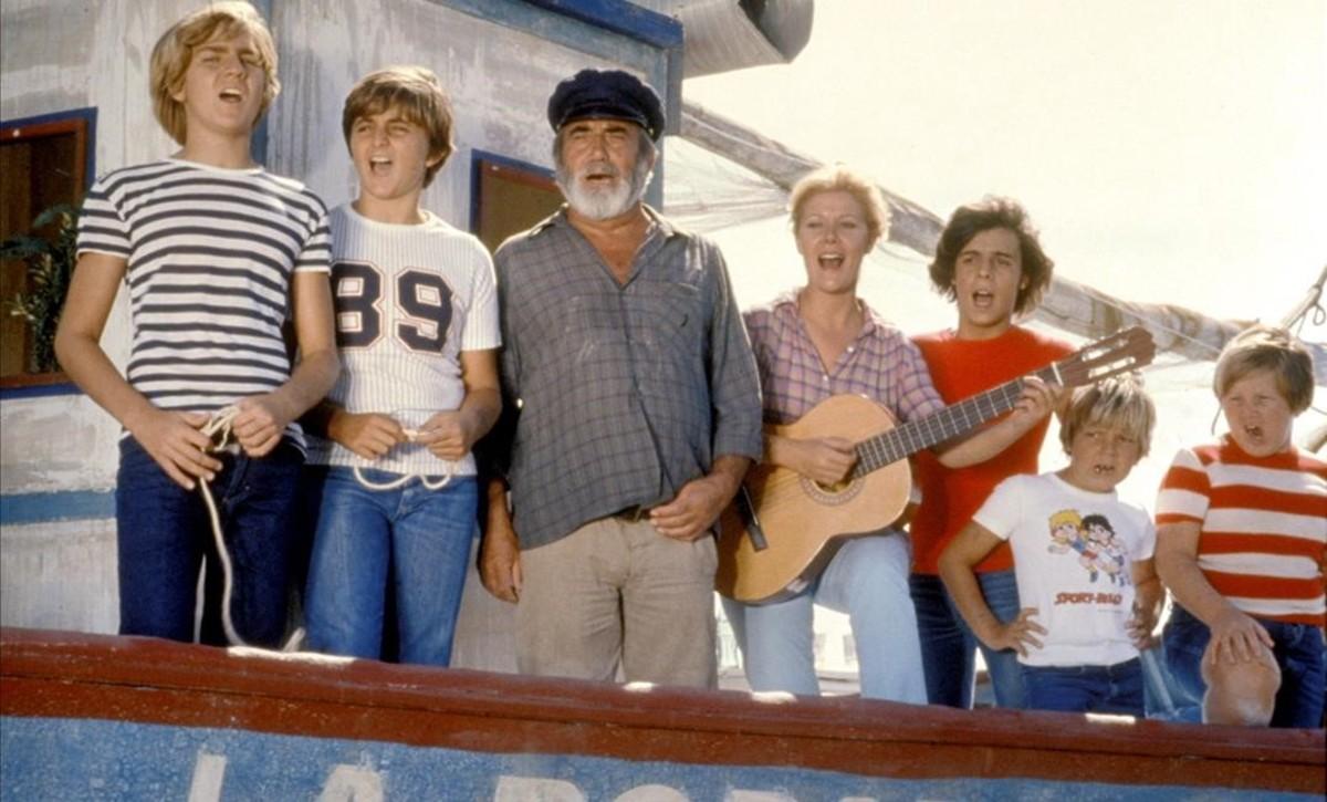 Los protagonistas de la serie 'Verano azul'.