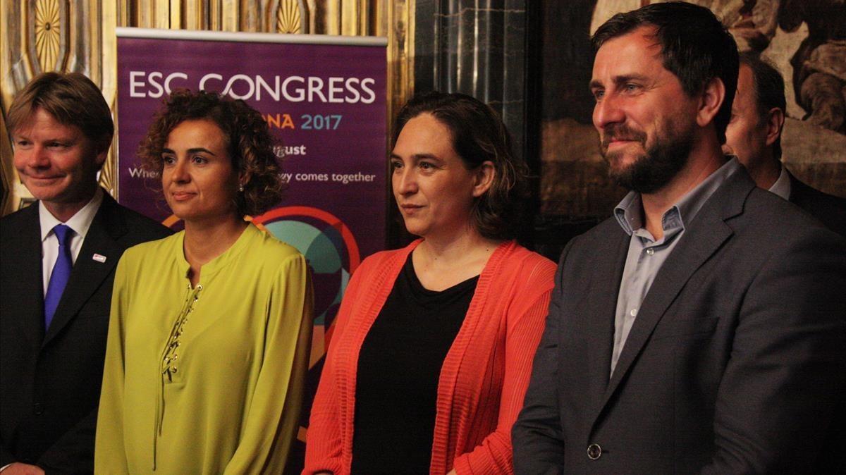 Jeroen Bax, Dolors Montserrat, Ada Colau y Antoni Comín, en la presentación del Congreso.