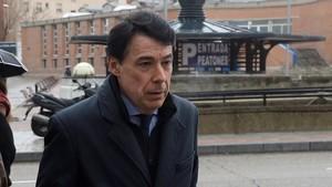 """Un presumpte espia declara que li van ordenar seguir Cifuentes """"per interès d'Ignacio González"""""""