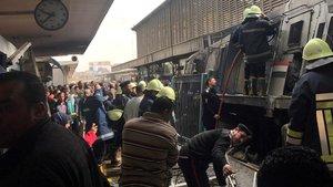 Mor un egipci al ser obligat a saltar del tren en marxa per no tenir bitllet